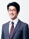 塚越 学 氏